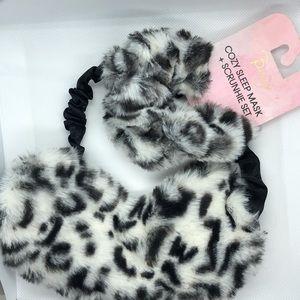 Berry Cozy Leopard Print Sleep Mask & Scrunchie